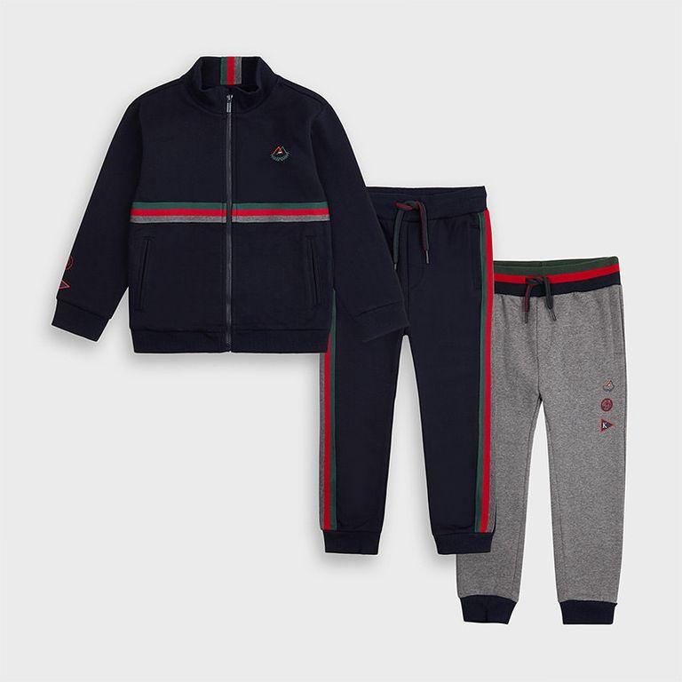 Спортивный костюм с 2 парами брюк (5,6 лет)